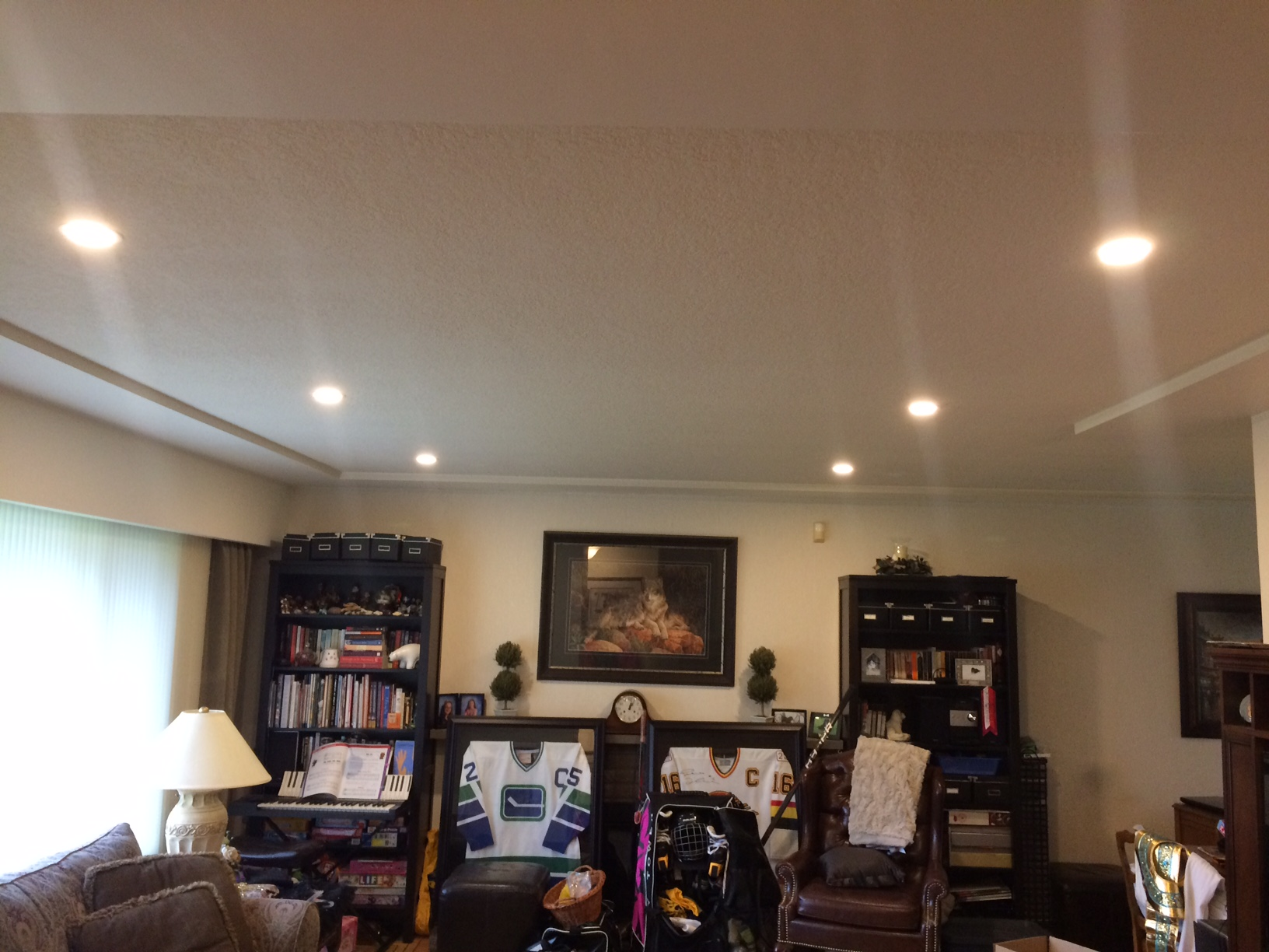 Led pot lights installed by wekking electric wekking for Pot light installation
